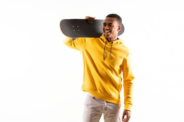 Uomo skater afroamericano Foto Premium