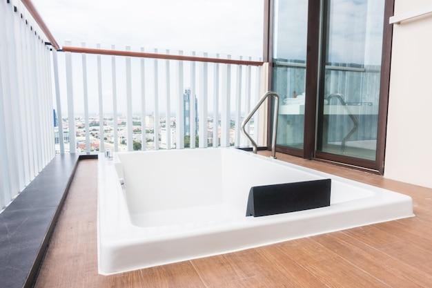 Vasca da bagno bianco scaricare foto gratis - Foto vasca da bagno ...