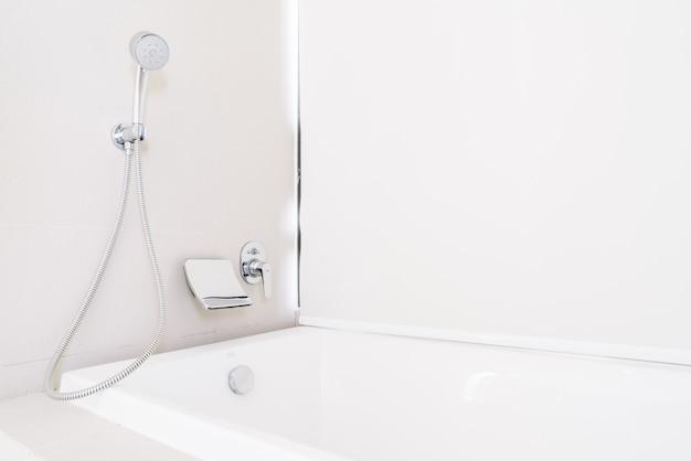 Vasca da bagno con doccia scaricare foto gratis - Foto nella vasca da bagno ...