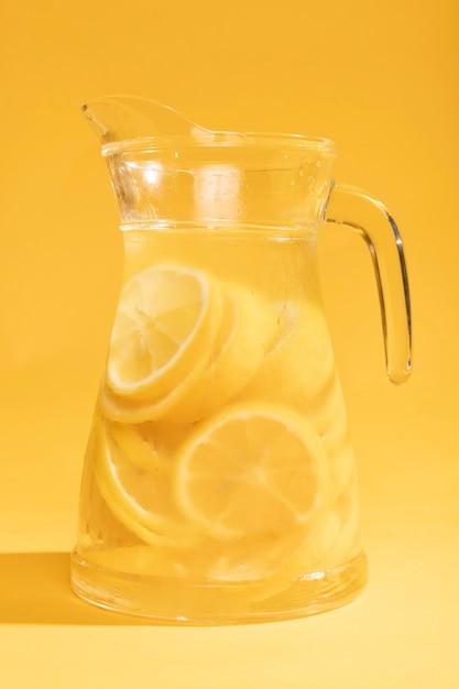 Vaso delizioso di limonata del primo piano Foto Gratuite