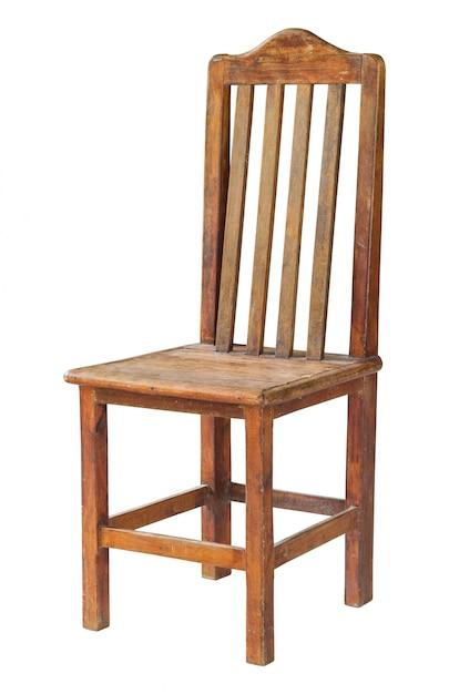 Vecchia sedia di legno isolata su bianco con il percorso di ritaglio Foto Premium