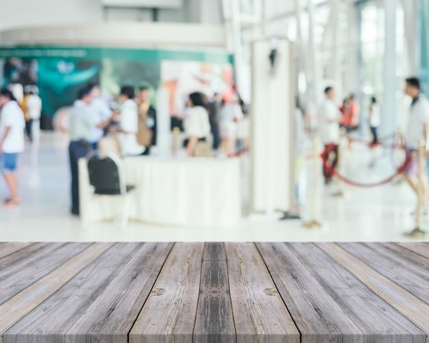Vecchie tavole di legno con l 39 aeroporto offuscata for Vecchie tavole legno