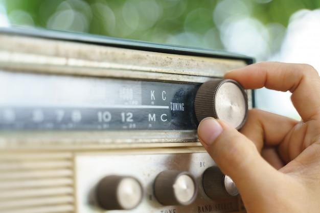 Vecchio trasmettitore radio analogico portatile o piccolo Foto Premium