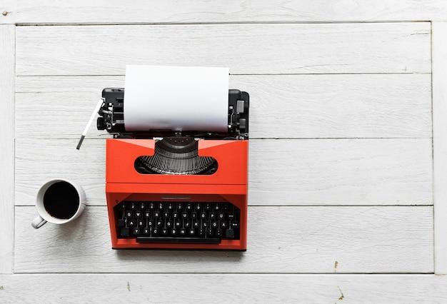 Veduta aerea della macchina da scrivere retrò Foto Gratuite