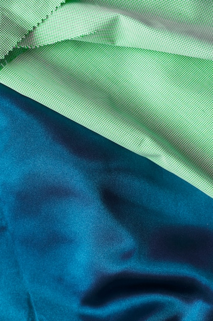 Veduta dall'alto di due diversi tessuti in cotone Foto Gratuite