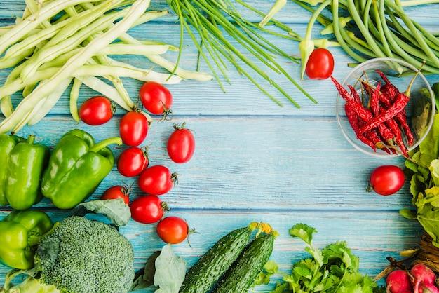 Veduta dall'alto di una verdura sana Foto Gratuite