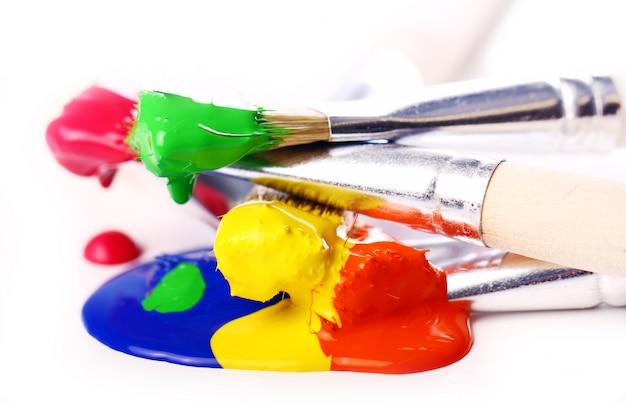 Vernici colorate e pennelli Foto Gratuite