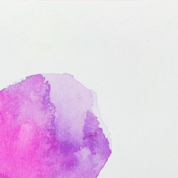 Vernici viola su carta bianca Foto Gratuite