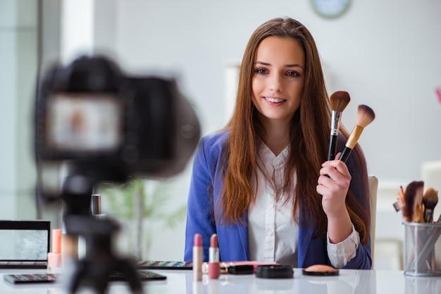 Video di registrazione di blogger di moda di bellezza Foto Premium