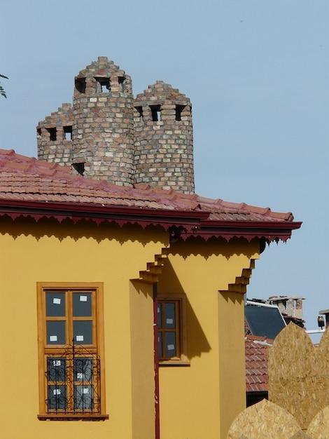 Villa vernice finestra casa torretta sul tetto scaricare foto gratis - Finestra sul tetto ...