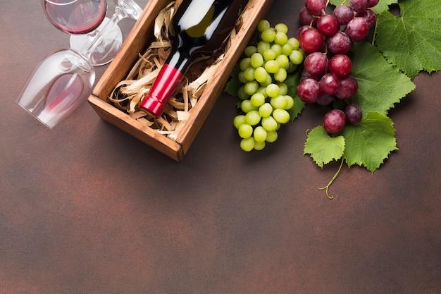 Vino rosso sottosopra concetto Foto Gratuite
