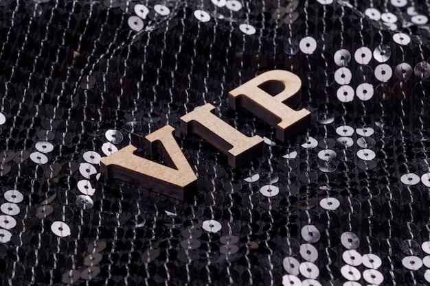 Vip è scritto in lettere astratte. Foto Premium