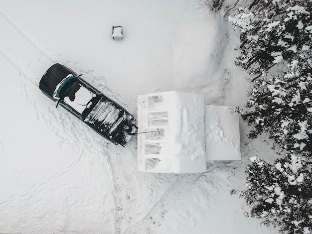 Vista aerea del camioncino nero Foto Gratuite