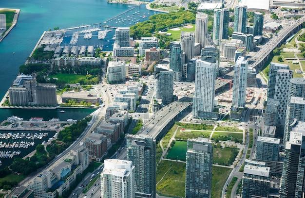Vista aerea dell'orizzonte della città di toronto, canada Foto Premium