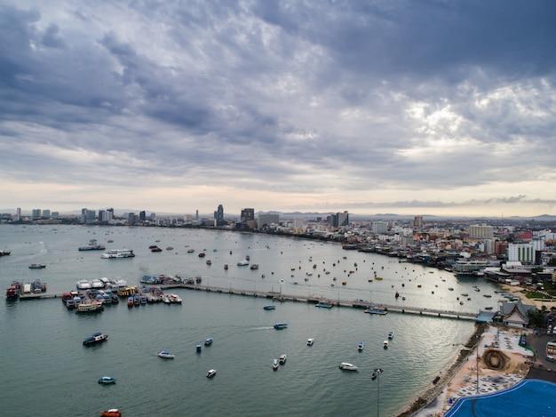 Vista aerea della spiaggia di pattaya. tailandia. Foto Gratuite