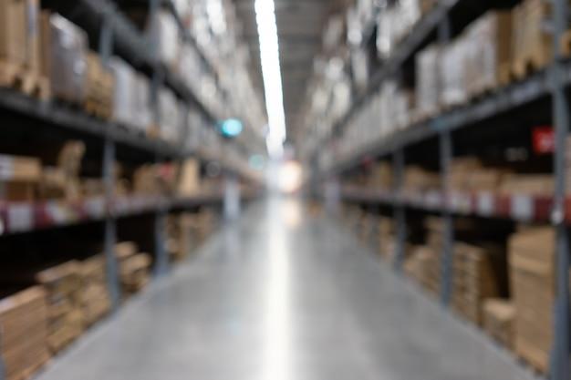 Vista astratta vaga del supermercato della navata laterale vuota del supermercato, sfocato sfocato Foto Premium