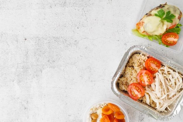 Vista dall'alto del concetto di cibo con spazio di copia Foto Gratuite