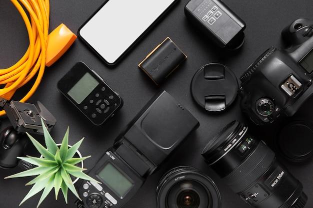 Vista dall'alto di accessori concept fotografici Foto Gratuite