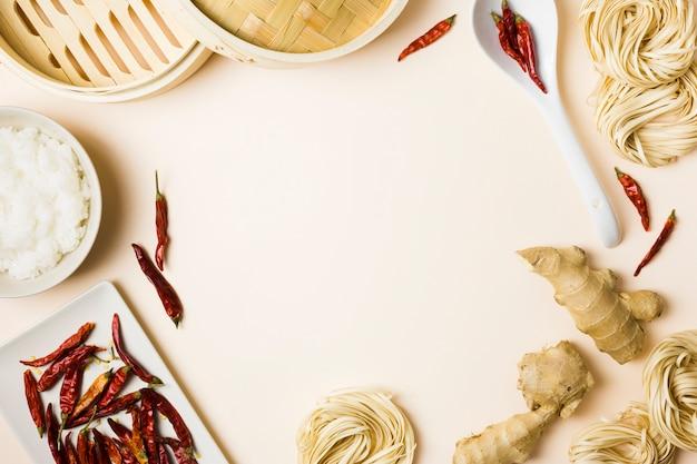 Vista dall'alto di ingredienti per una ricetta Foto Gratuite