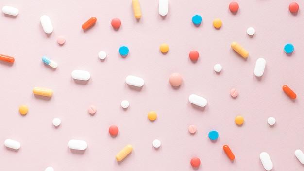 Vista dall'alto varietà di antidolorifici e medicinali Foto Gratuite