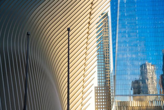 Vista futuristica del design moderno e degli edifici Foto Gratuite