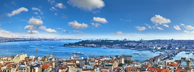 Vista panoramica del corno d'oro dalla torre di galata a istanbul Foto Premium
