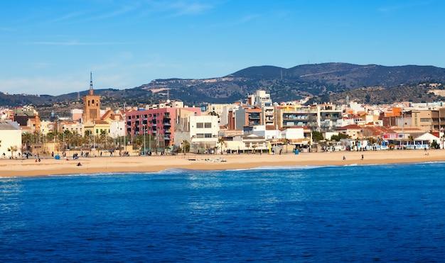 Vista urbana dal mar mediterraneo a badalona Foto Gratuite