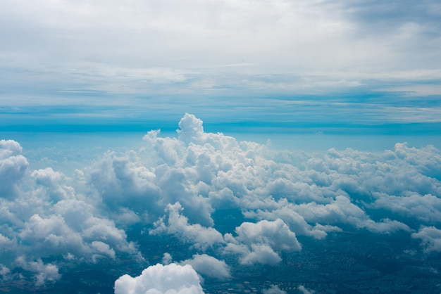 Visualizza attraverso il finestrino dell'aereo Foto Premium