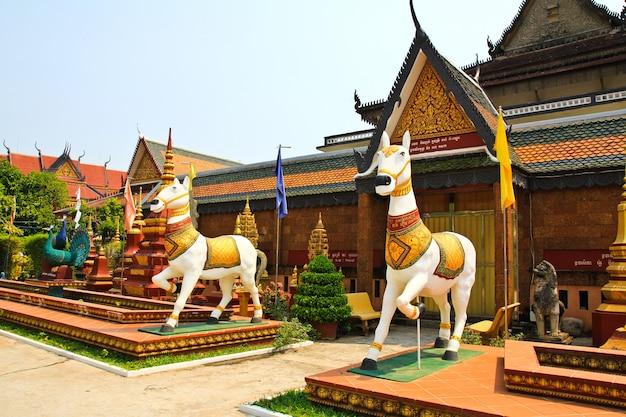 Wat preah prom rath a siem reap in cambogia Foto Premium