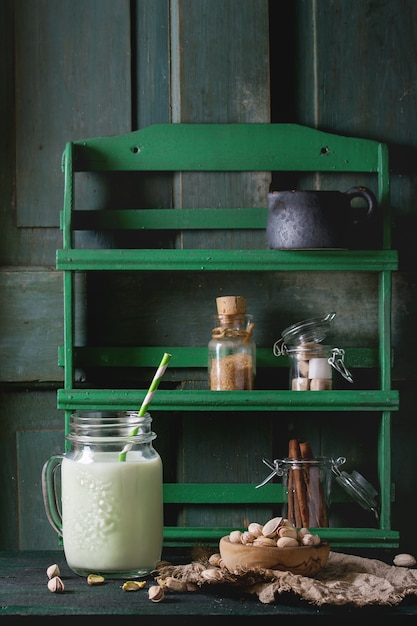 Yogurt con pistacchi Foto Premium