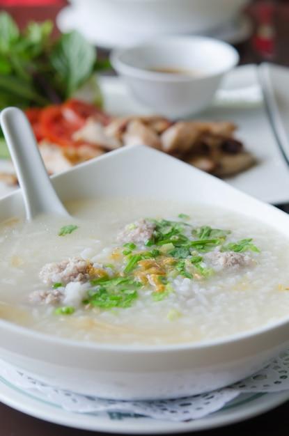 Zuppa di riso Foto Premium