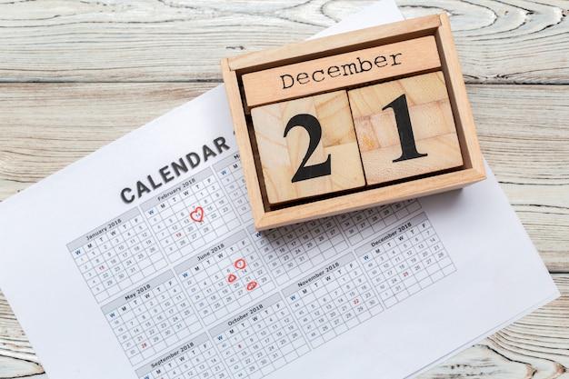 21 de dezembro. dia 21 de dezembro, calendário. inverno Foto Premium