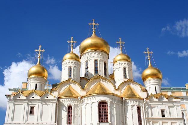A catedral da anunciação e o arcanjo Foto Premium