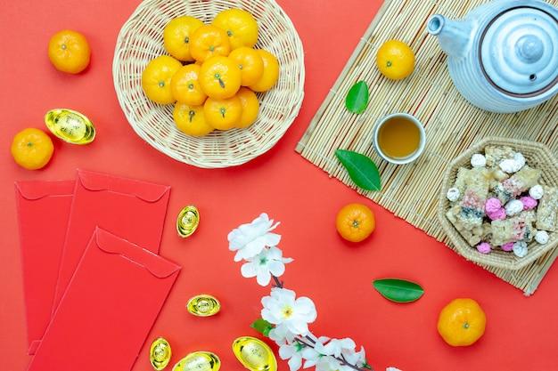 A imagem aérea da vista superior disparou do ano novo chinês da decoração do arranjo. Foto Premium