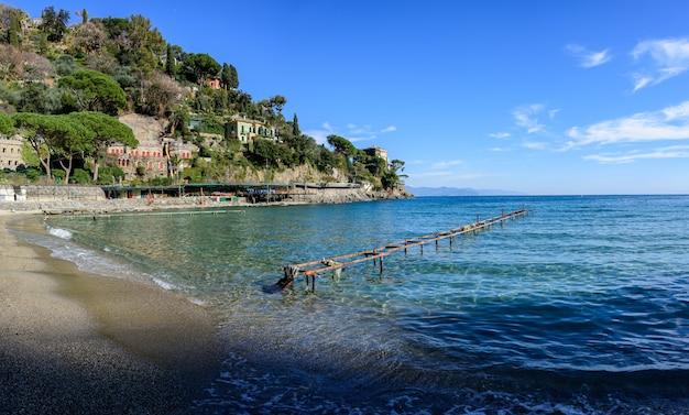 A praia de paraggi Foto Premium