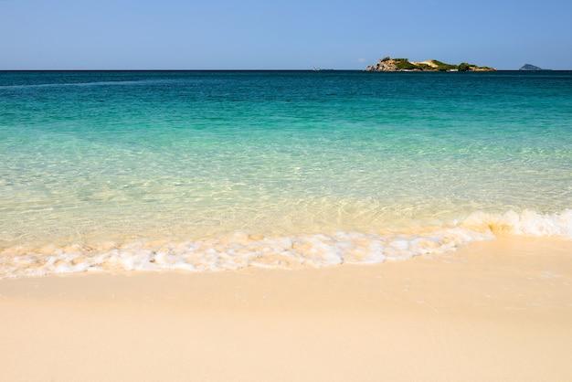 A praia Foto Premium