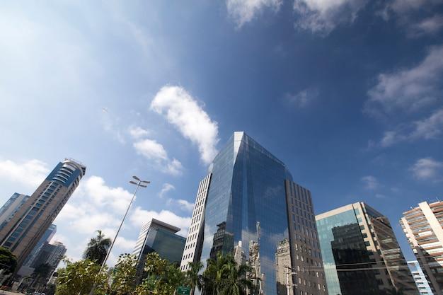 A sofisticada avenida faria lima, em são paulo Foto Premium