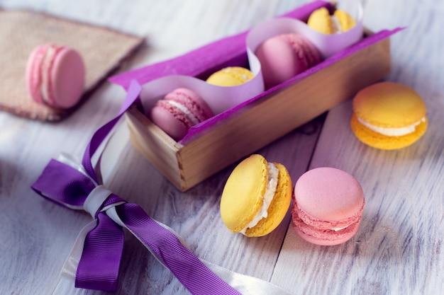 A tradição francesa - macaroons coloridos Foto Premium