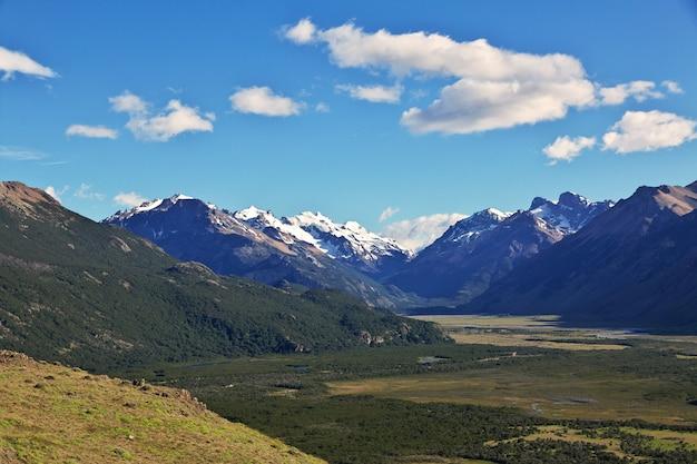A vista panorâmica de fitz roy perto de el chalten na patagônia, argentina Foto Premium