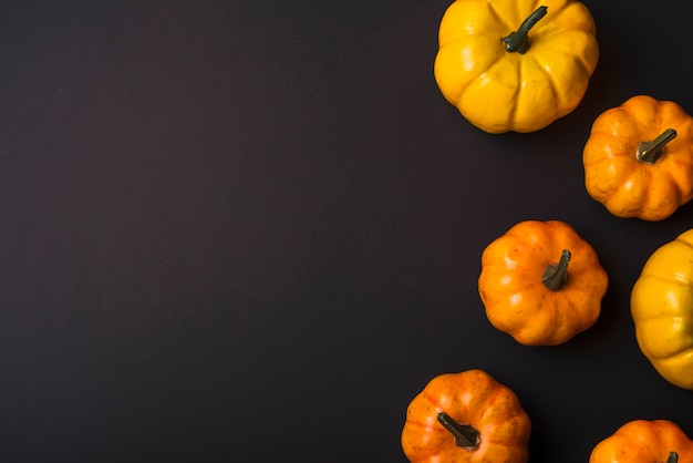 Abóboras frescas de laranja Foto gratuita