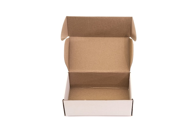 Abra a caixa de papelão vazia isolada no fundo branco. vista de cima. Foto Premium