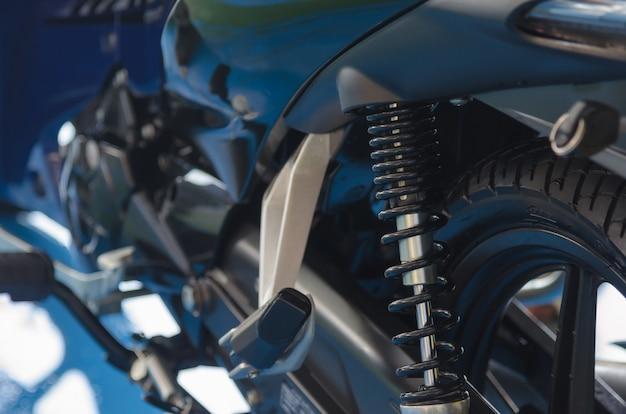 Absorvente de choque de motocicleta Foto Premium