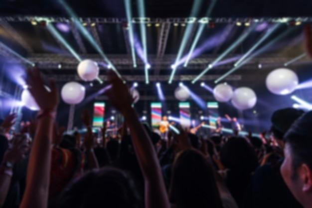 Abstrata imagem borrada de concerto de festa e luz de palco no festival de música Foto Premium