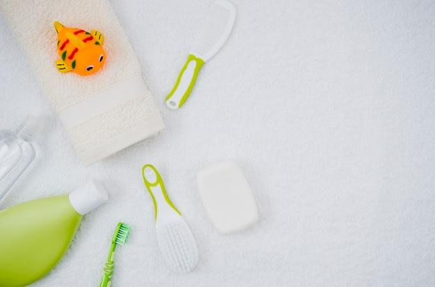 Acessórios de banho de vista superior para bebê Foto Premium