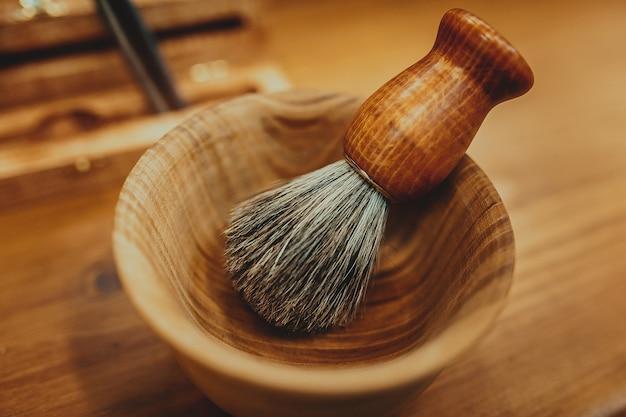 Acessórios de barbear em um luxo Foto Premium