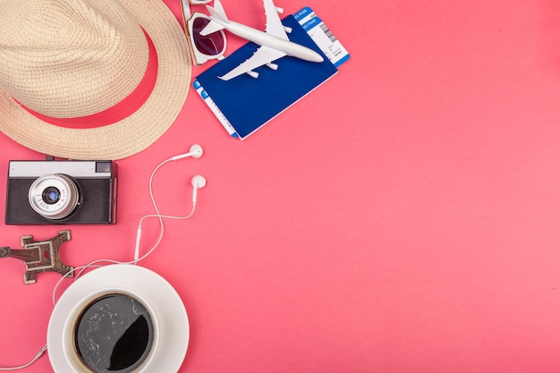 Acessórios de viagem de verão Foto Premium