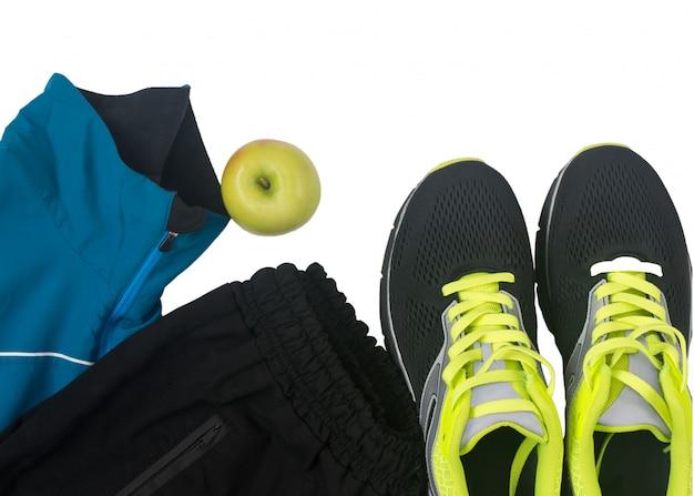Acessórios esportivos para fitness isolado no branco Foto Premium
