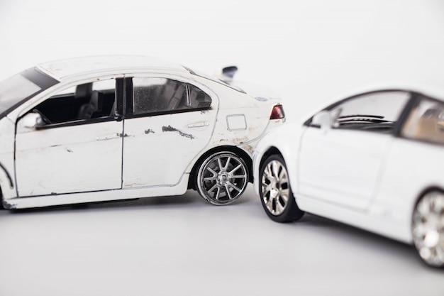 Acidente de acidente de carro de brinquedo Foto Premium