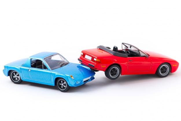 Acidente de carro acidente cena transporte e conceito de acidente isolado no branco Foto Premium