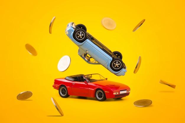 Acidente de carro com cena de respingo de moedas de ouro Foto Premium